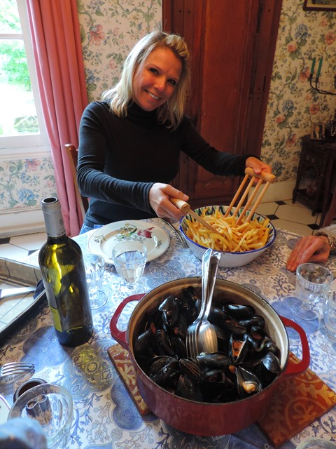 Time for Lunch - Moules-frites - YUM!