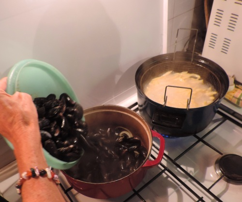 Preparing the Moules-frites